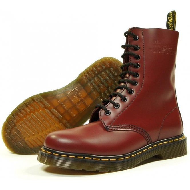 Dr. Martens Cherry 10 Eye 1490 Original, Unisex-Adult Boots